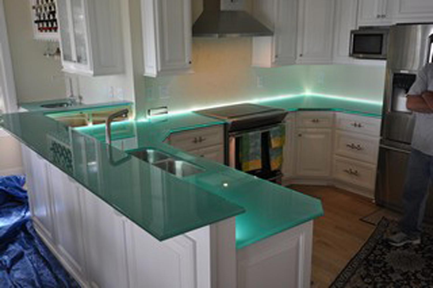 Countertop Kitchen : glass kitchen countertops this is something different in a kitchen