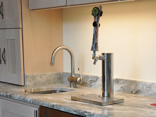 marble-wet-bar-countertop